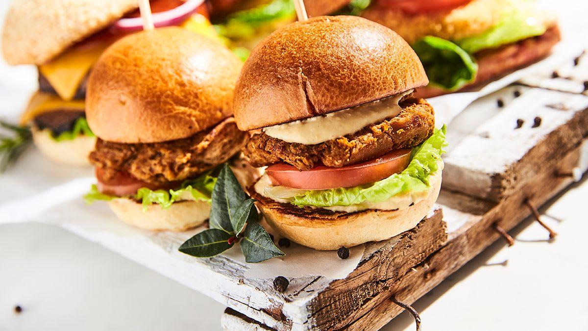 Marinētas sojas burgers ar humosu