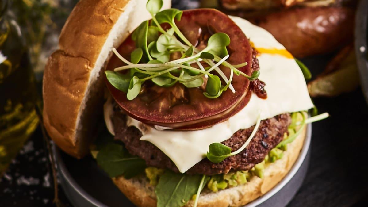 Jēra gaļas burgers