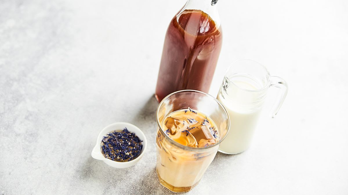 Lavandas medus aukstā latte