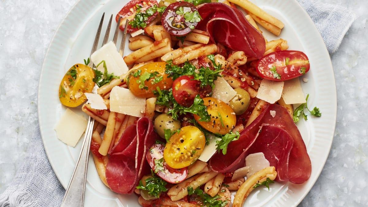 Bresaola pasta tomatiga