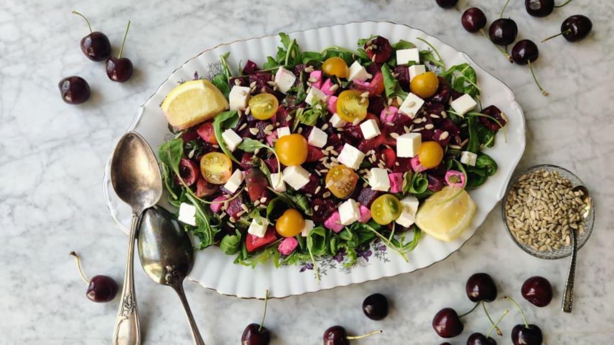 Rukola-peedi-fetajuustu salat murelitega