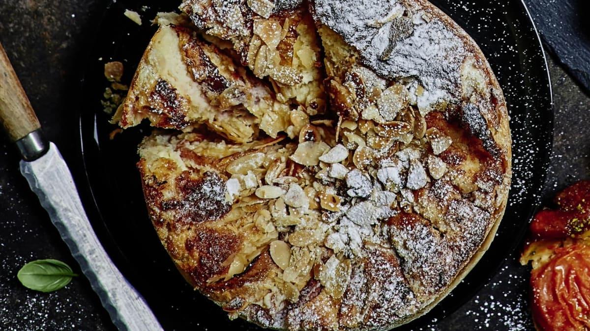 Šventinis pyragas su mango ir aviečių kremu