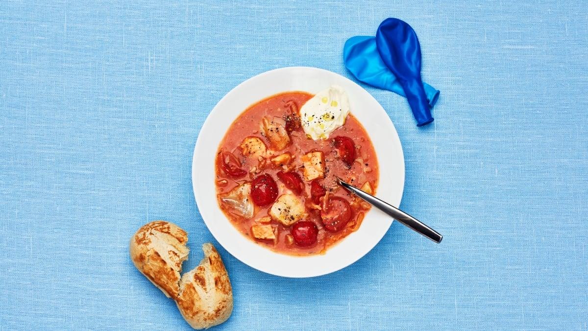 Paprasta sriuba su žuvimi ir pomidorais