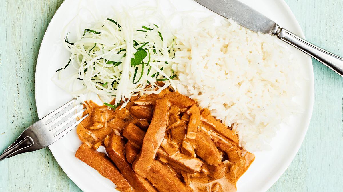 Desas stroganovs ar rīsiem