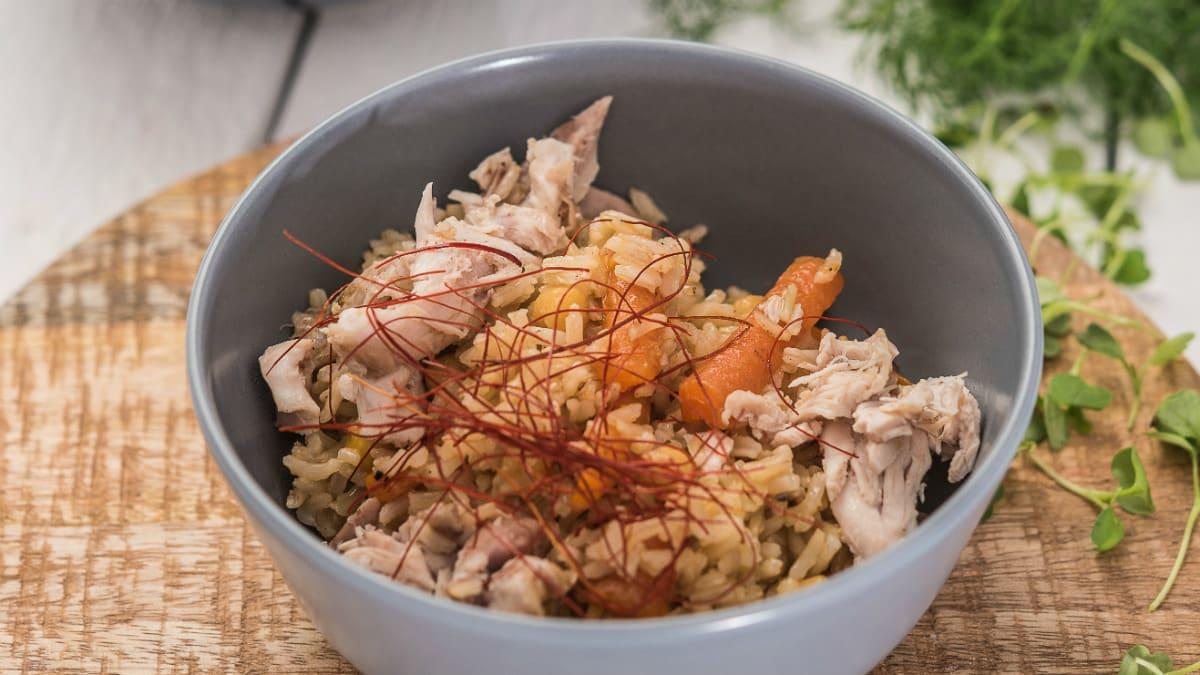 Ahjus küpsetatud pilaff kana ja pruuni riisiga