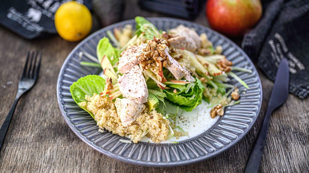 Vistas salāti ar kvinoju un jogurta mērci
