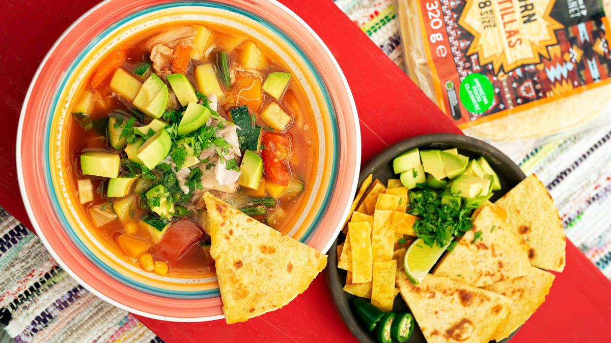 Meksikietiška vištienos sriuba su tortilijomis