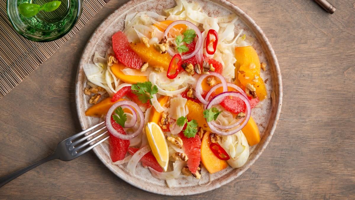 Pankolių salotos su greipfrutais ir persimonais