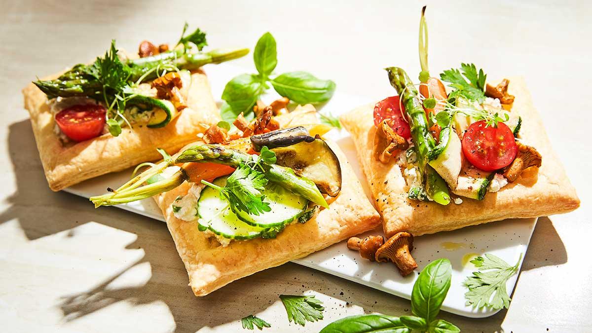 Kārtainā mīkla ar tofu biezpienu un dārzeņiem