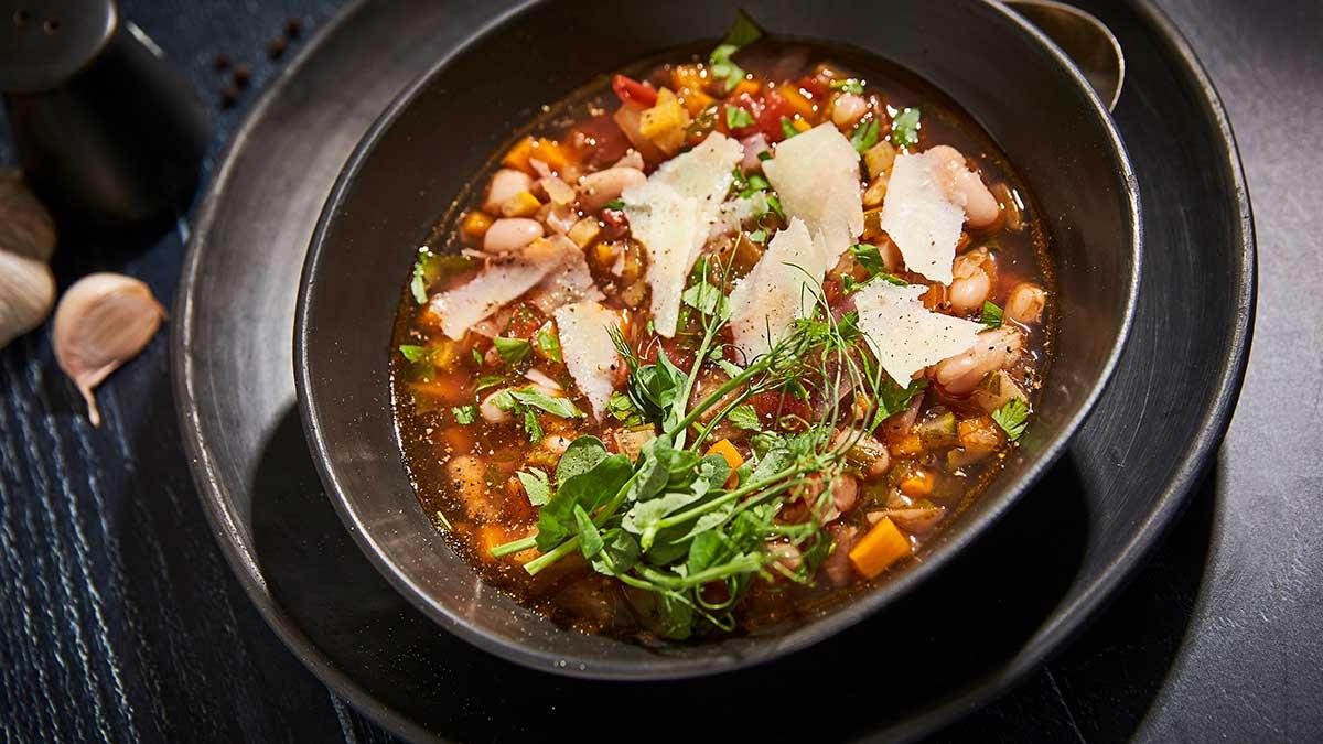 Dārzeņu minestrone
