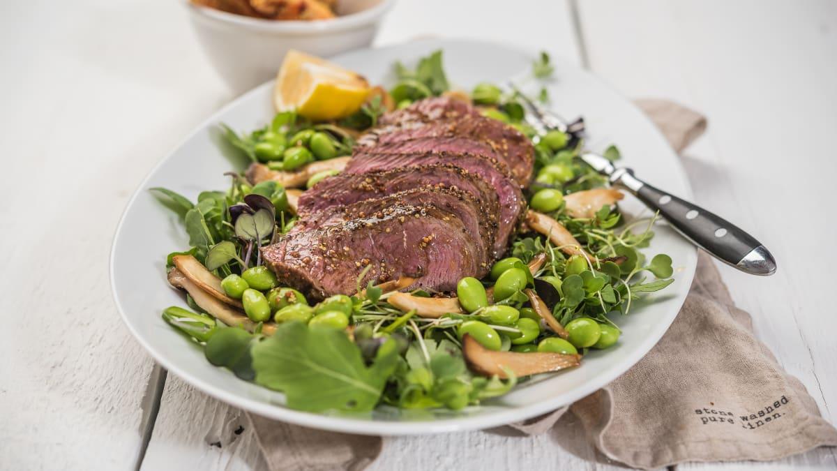 Liellopa steika salāti