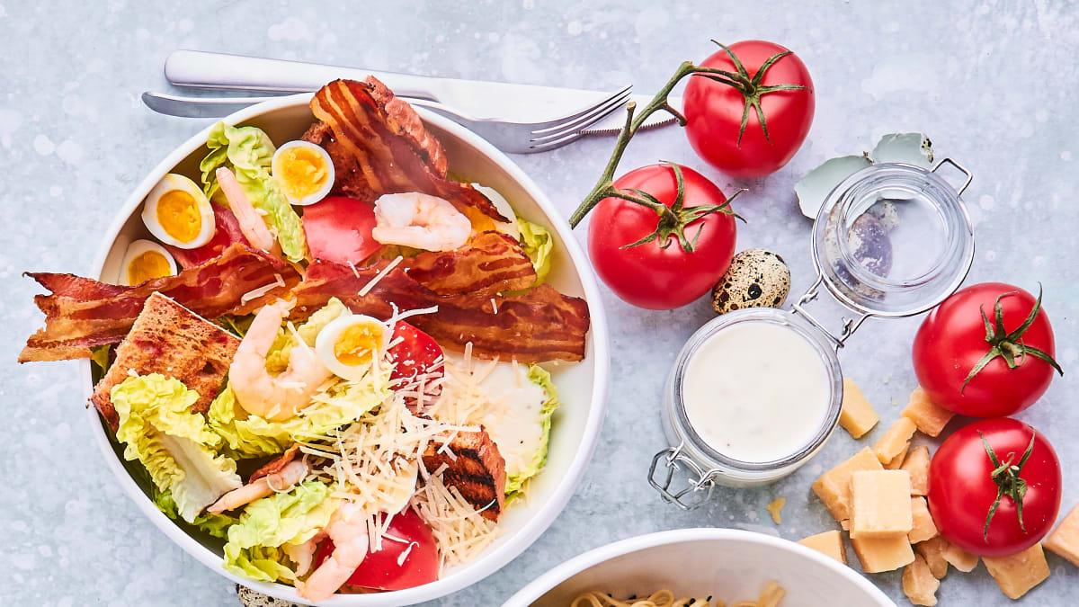 Garneļu salāti ar bekonu «Pancetta»