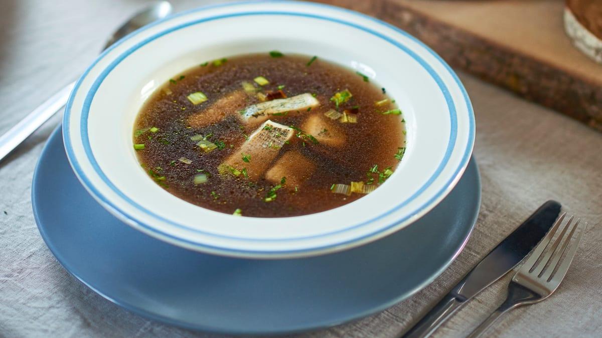 Europinės lydekos sriuba su baravykais