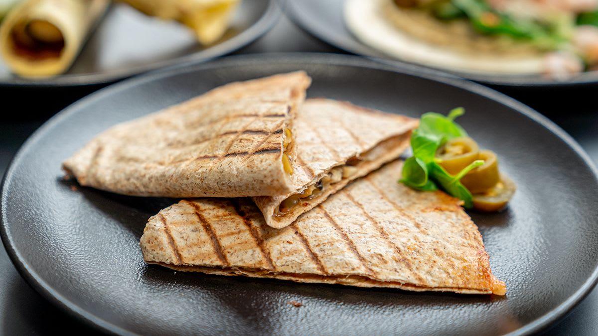 Sēņu-siera kesadilja