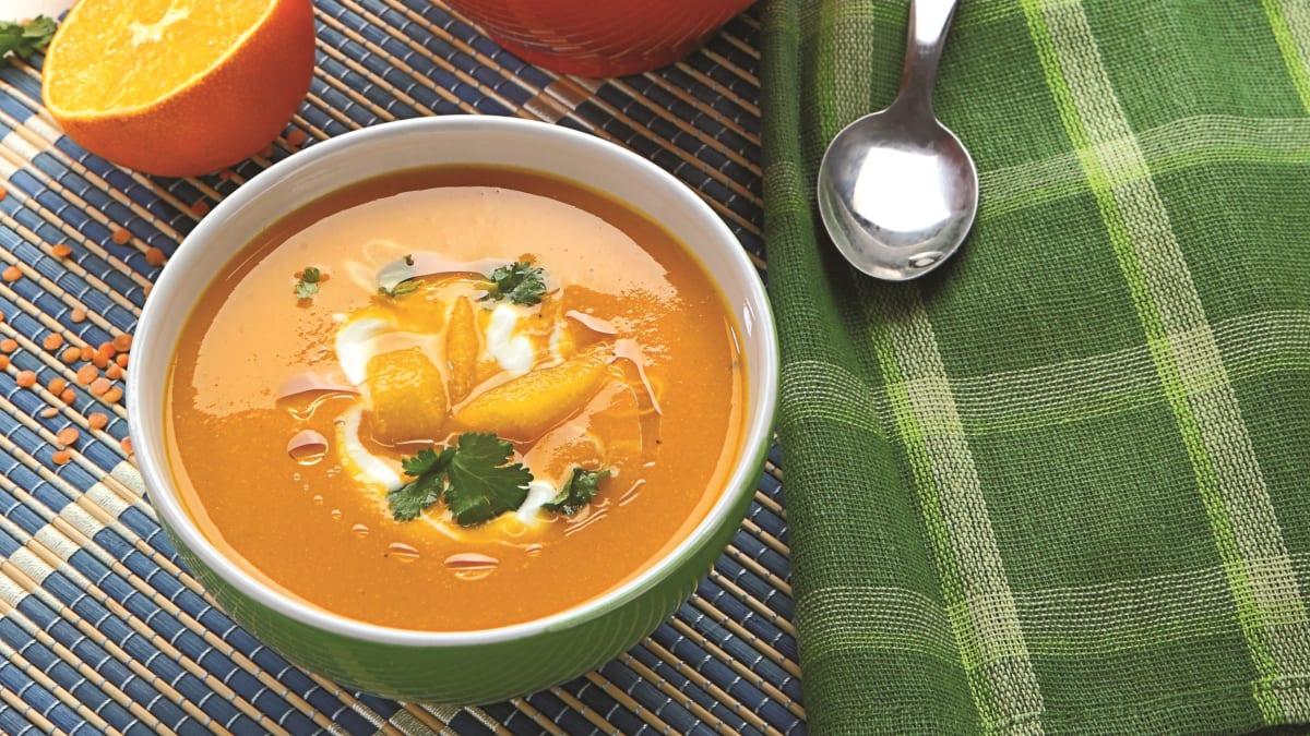 Apelsinų, lęšių ir morkų sriuba