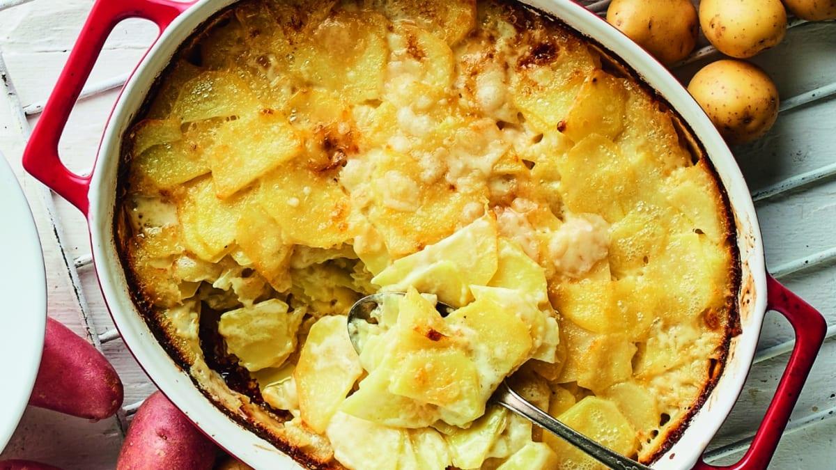 Kartupeļu sacepums ar saldo krējumu