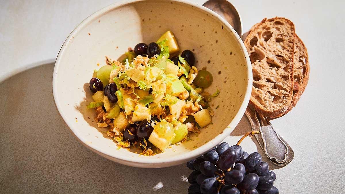 Vīnogu un seleriju salāti