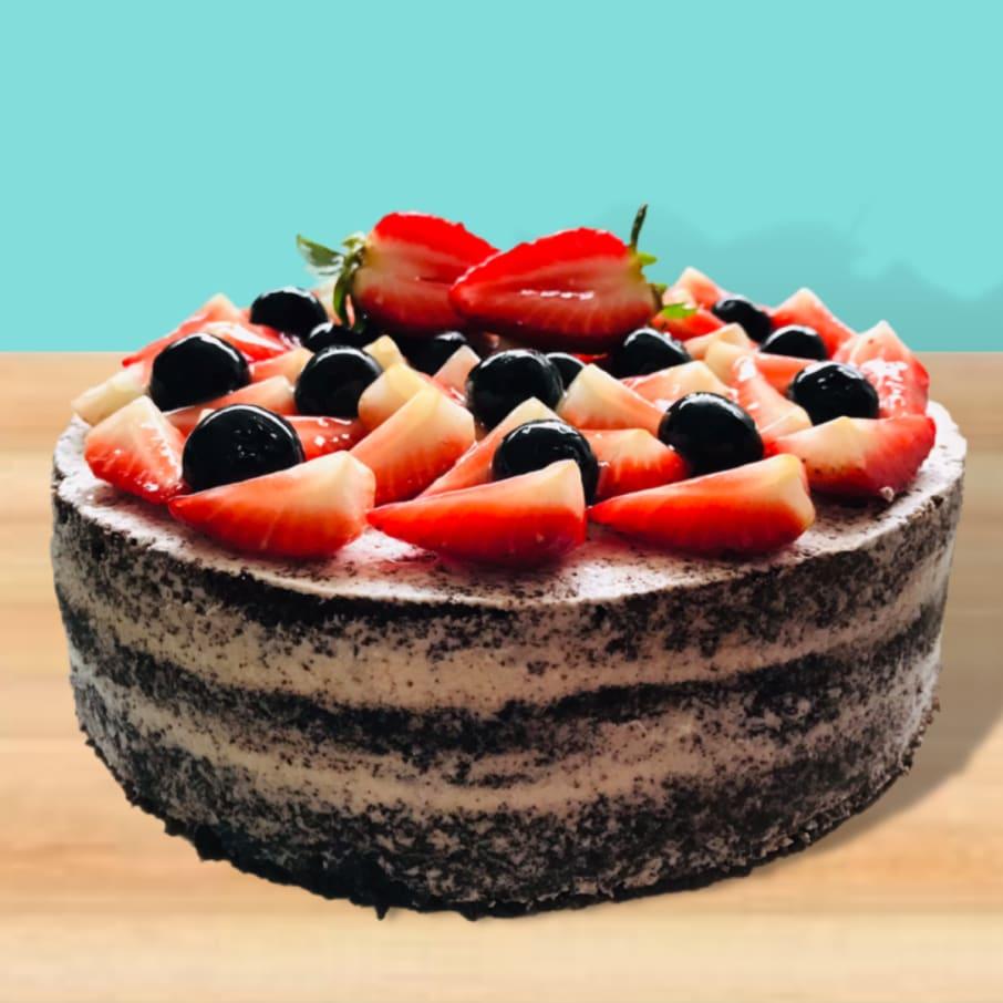 TORTA NAKED CAKE DE CHOCOLATE CON FRUTOS DEL BOSQUE.