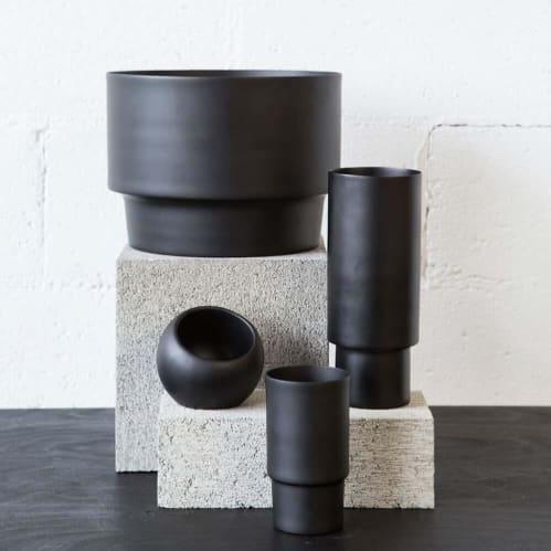 Century Vase - Black
