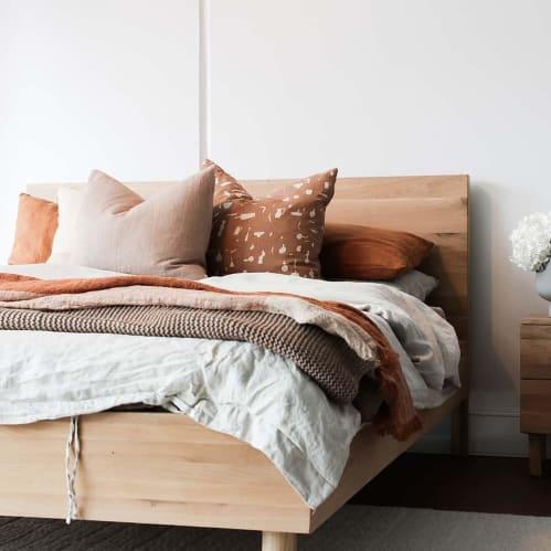 Harmony Queen Bed II - Oak