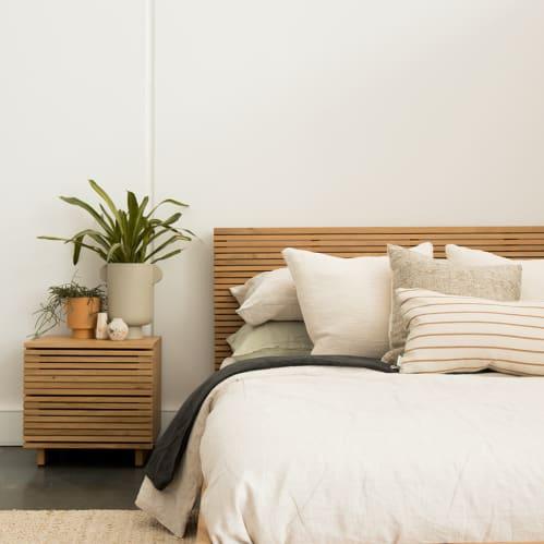 Linear King Bed - Oak