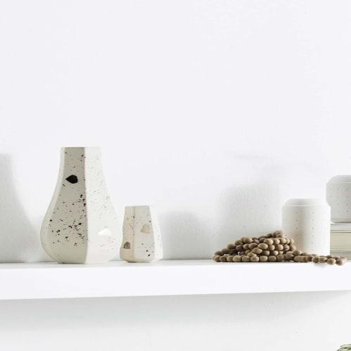 Carved Vase Straight - Natural