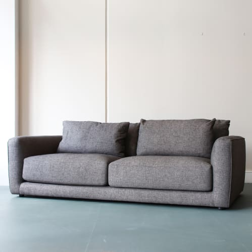 Parkville Sofa - Tommy