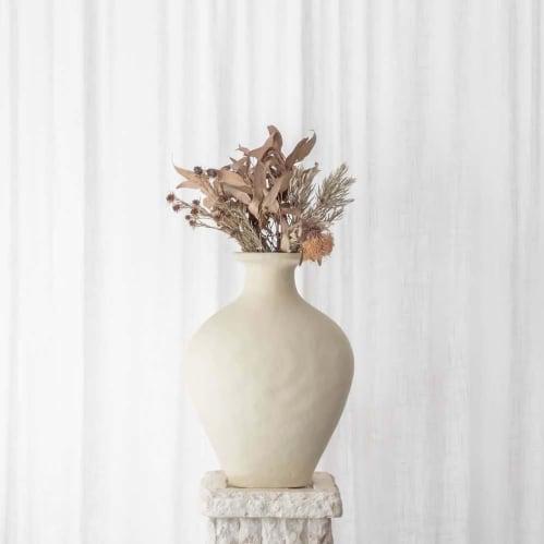 Theodora Vessel - Cream