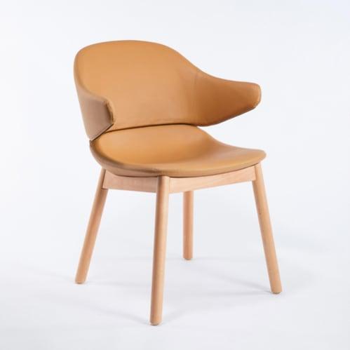 Hug Dining Chair With Arm - Tan Pu Leather / Beech