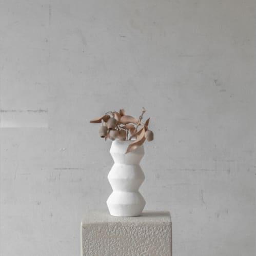Leo Vase - White
