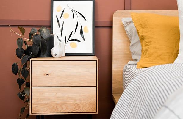 Essence Bedside Table - Oak - The foating effect