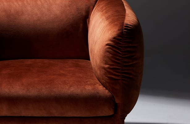 Tulip Lounge Chair - Red Velvet - Exploring New Perspectives