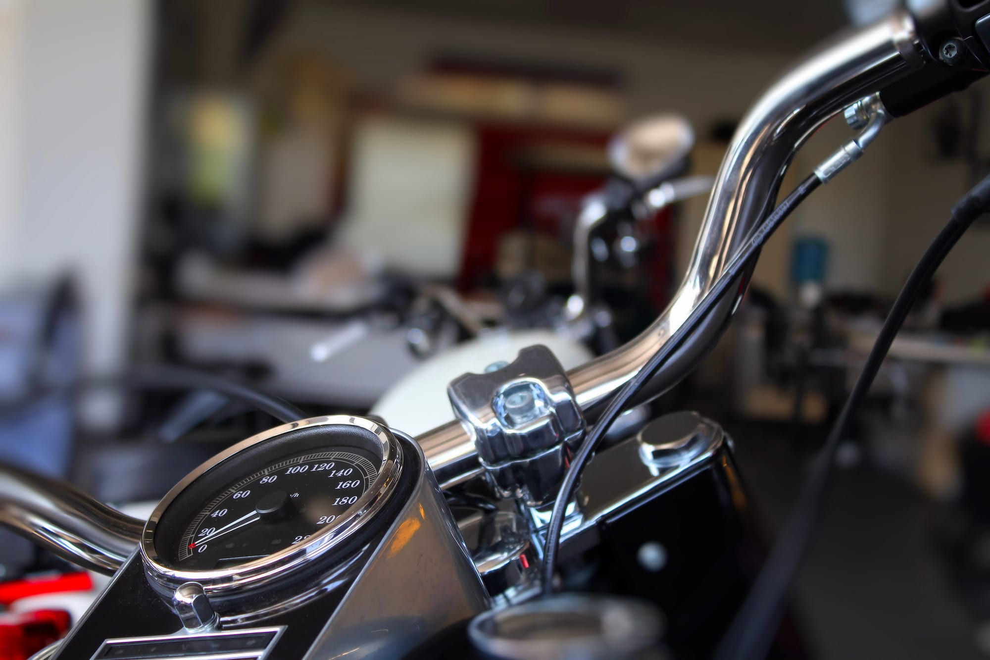 ¿Cuáles son los accesorios de moto más importantes?