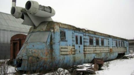 Tren rusesc cu motoare de avion