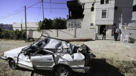 Armata israeliană a distrus cea mai mare parte a lucrurilor familiei Abu Aisha înainte de a monta explozibili, iar o mașină din apropiere a fost distrusă de explozii
