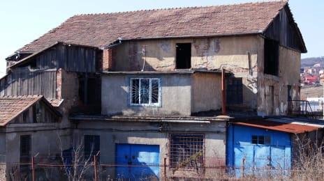 4. Ruina la principala - cine naiba da autorizatie de constructie pentru asa ceva
