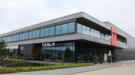 Sediul Tesla din Tilburg, Olanda
