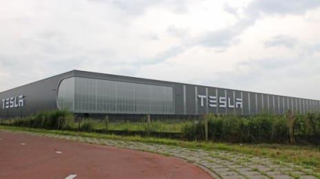 Sediul Tesla din Tilburg, Olanda, vedere panoramică