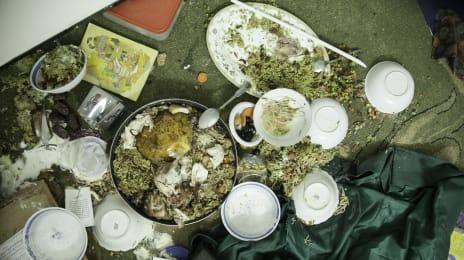 Masa de iftar (ramadan) a familiei Qawasmeh n-a apucat să fie consumată înainte de a veni armata israeliana să se răzbune