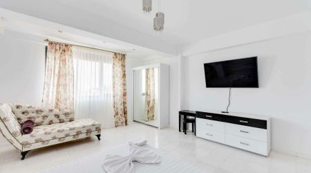 SnS Apartament in Vila Sophia White