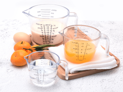 Jarra Medidora de Plástico Transparente 600ML, Categoría Alimenticia, Medida Precisa, Alta Calidad