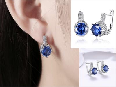 Pendiente de viento romántico con diamantes de circonita redonda azul, pendientes de botón de lujo redondos de halo
