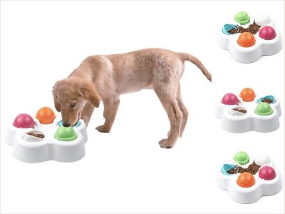 Comedor para mascotas con bolas de colores. Bol de juguete para perros y gatos. Haga que sus mascotas sean más inteligentes. Ellos juegan para conseguir su comida