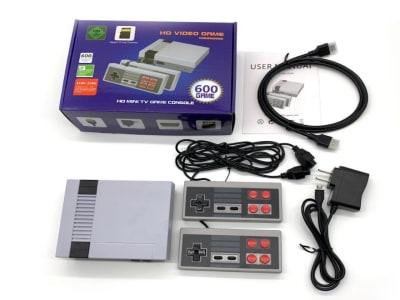 Consola Videojuegos Retro, 600 Juegos de nuestra Infancia incluidos. 4K TV AV, Juegos 8 bits, HDMI, Reproductor de juegos portátil PAL y NTSC. 2 mandos incluidos para disfrutar en compañía