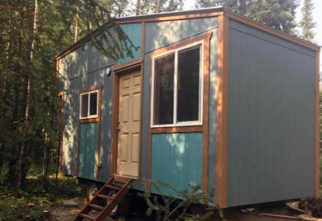 Kingfisher Cabin with Shared Bathroom