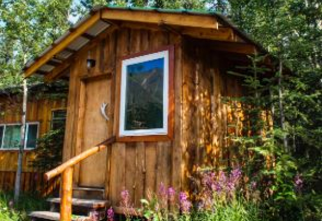 High Water Cabin with Shared Bathroom