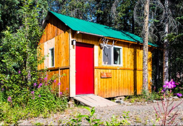 Wonder Wave Cabin with Shared Bathroom