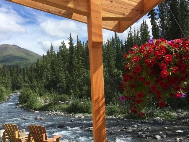 Standard Creekside Cabins