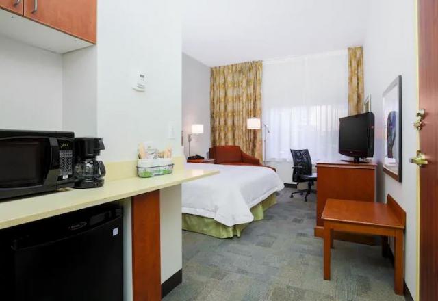 1 King or 2 Queens Premium Room