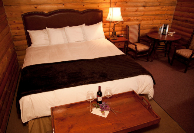 Grizzly Cabins King Bed